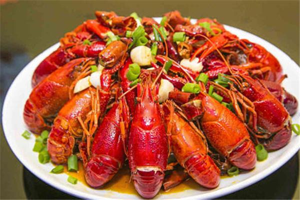 小龙虾含嘌呤高吗 小龙虾对身体有什么坏处