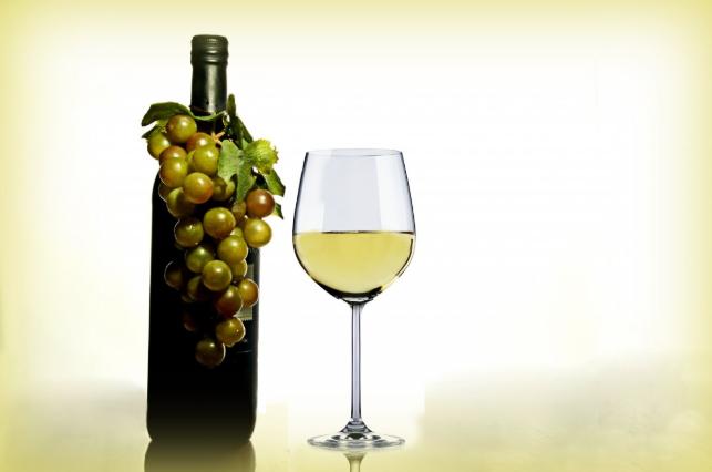 干白葡萄酒的好处与作用 干白葡萄酒的功效与作用及禁忌