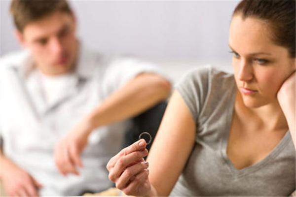 夫妻之间多久一次性生活算正常 夫妻性生活不和谐影响婚姻吗