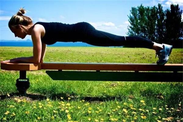平板支撑可以减肥吗 平板支撑做多长时间合适
