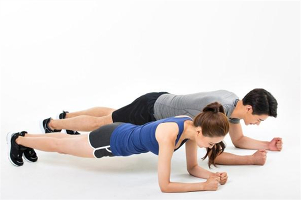 平板支撑可以改善骨盆前倾吗 平板支撑做完后腰疼怎么办