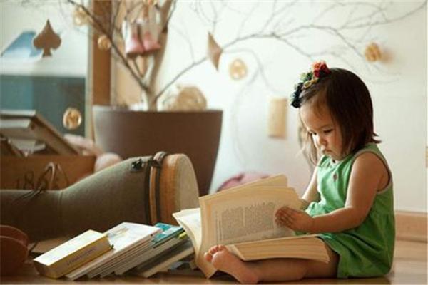 孩子多大开始看书 孩子看什么书好