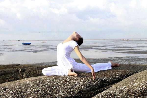 瑜伽可以空腹练吗 瑜伽前多久不能吃东西