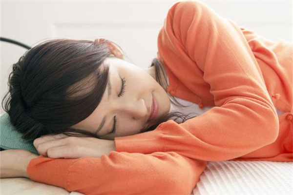 夏季午睡多久合适 夏季午睡最佳时间
