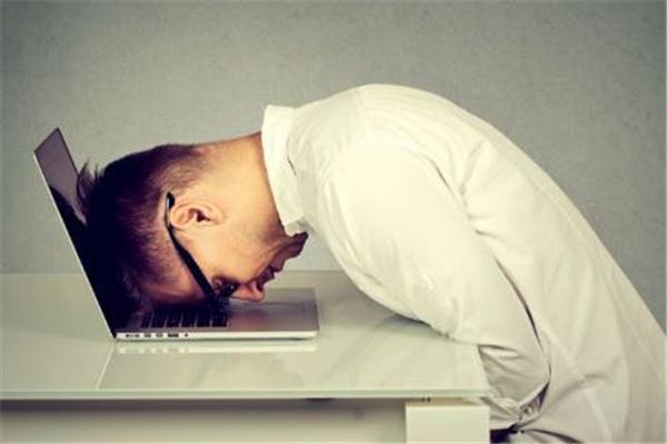 夏季睡午觉总醒不过来什么原因 夏季睡午觉头疼原因是什么