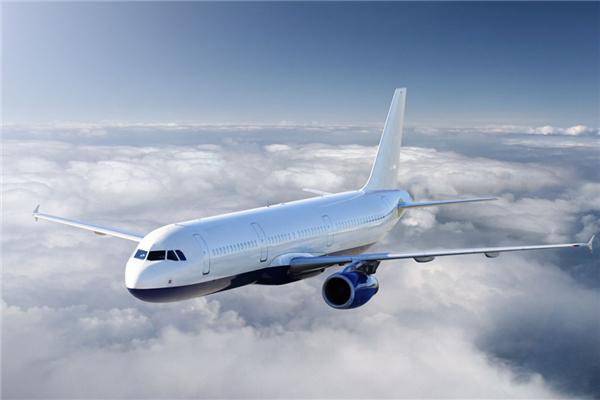 坐飞机可以戴耳机吗 坐飞机可以戴耳机睡觉吗