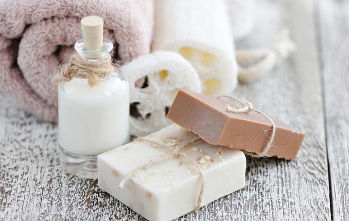 先擦身体乳还是防晒 防晒和身体乳先用哪个