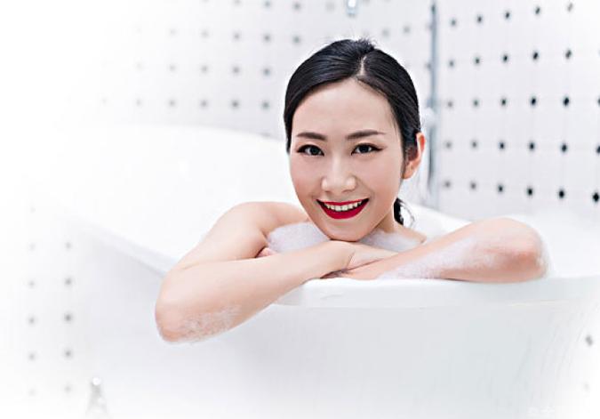 夏天泡热水澡好不好 夏天泡热水澡能减肥吗