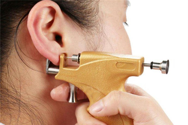 打耳洞发炎流脓怎么办 打耳洞发炎用什么药
