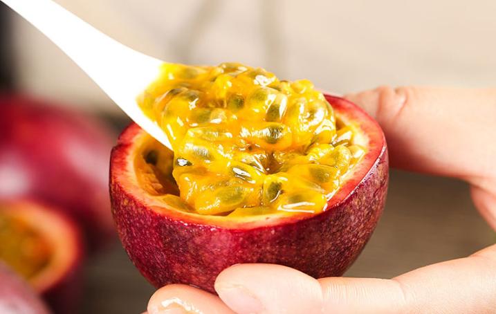 百香果吃籽还是吃皮 百香果是酸的还是甜的