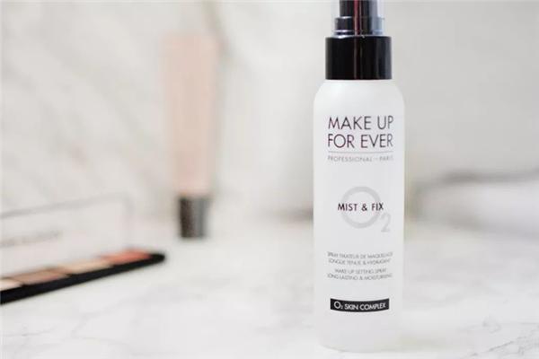 定妆喷雾和散粉可以一起用吗 定妆喷雾和散粉的使用顺序
