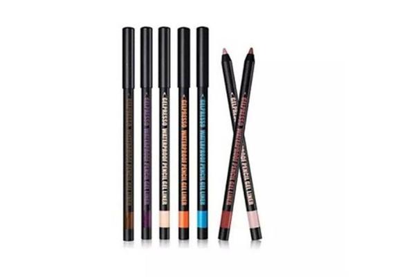 眼线笔要用卸妆水还是卸妆油 眼线笔用什么擦掉