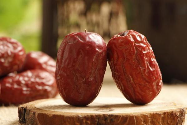 红枣可以天天吃吗 红枣可以泡水喝吗