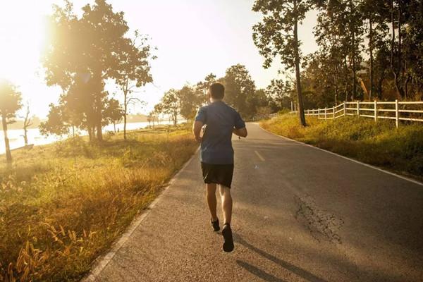 跑步之后多久能喝水 跑步之后多久能吃饭