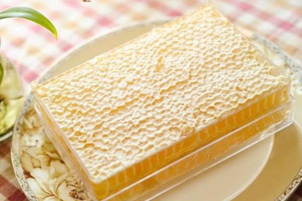 蜂巢蜜多少钱一斤才是真的 蜂巢蜜有人造的吗
