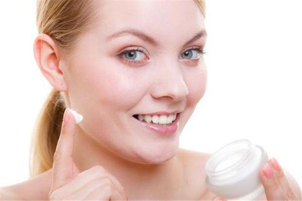 果酸换肤可以自己做吗 果酸换肤用的什么酸