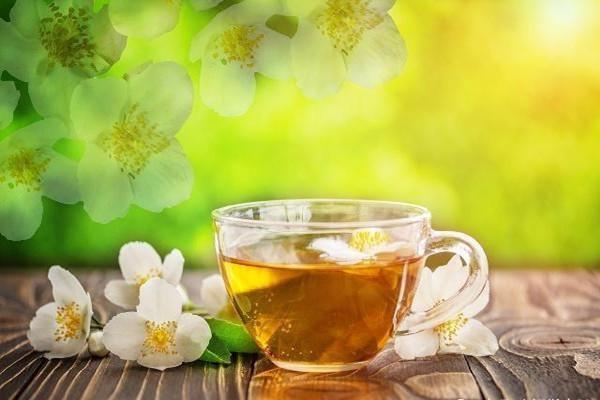 茉莉花茶可以和菊花一起泡吗 茉莉花茶可以和玫瑰花一起泡吗