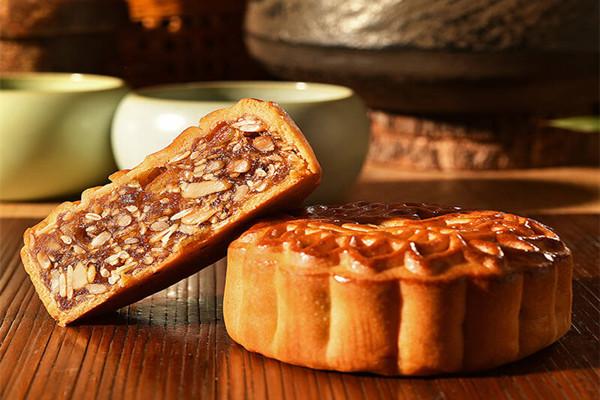 五仁月饼是甜的还是咸的 五仁月饼里面有什么材料