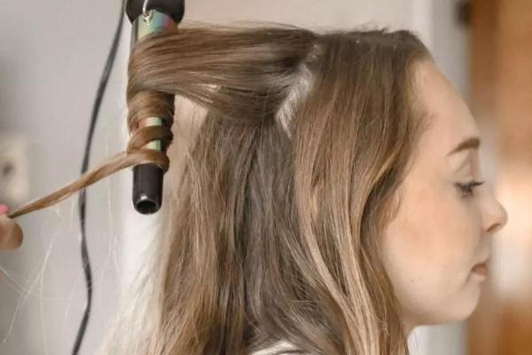 卷发棒会导致脱发吗 卷发棒会烫到自己吗