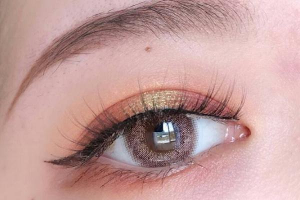 眼妆是在定妆之后还是定妆之前 眼妆是先画眼影还是先画眼线