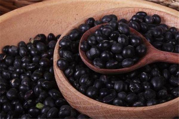 黑豆适合减肥吃吗 黑豆什么时候吃最好