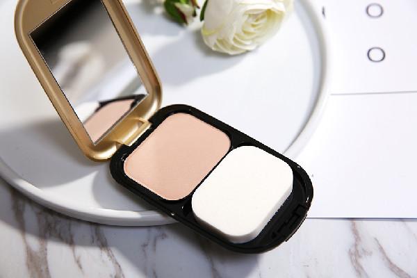 粉饼正确使用方法 粉饼在化妆哪一步用