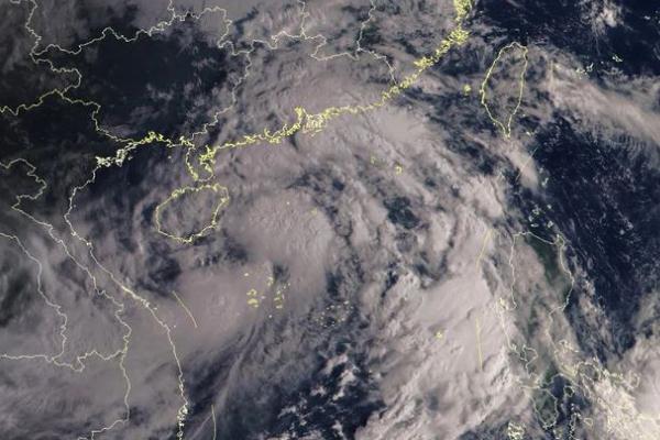 台风来临时应该怎么做 台风来临时哪里可以躲避