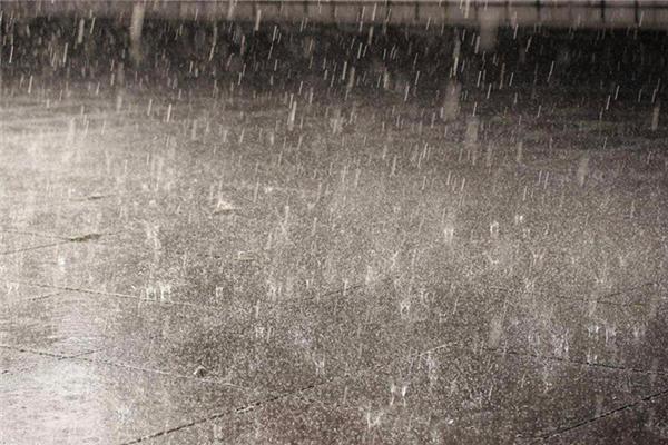 暴雨可以出行吗 暴雨出行注意事项