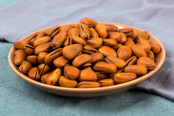 松子的热量高吗 松子减肥期间可以吃吗