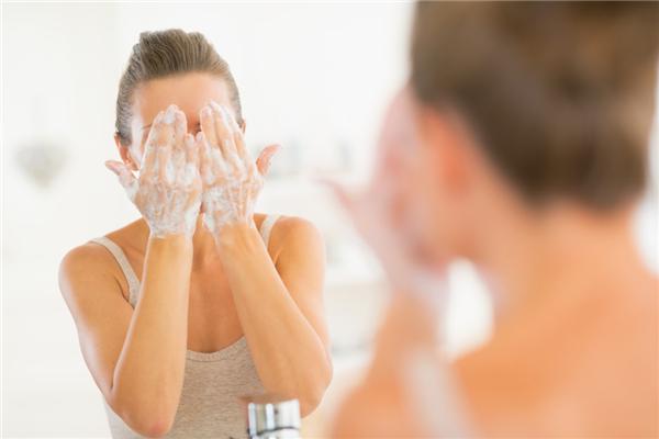 洗脸加白醋有什么作用 洗脸加多少白醋